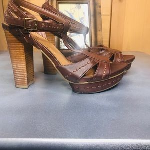 Kenneth Cole Reaction Shoes - Kenneth Cole Reaction Brown platform sandals heels